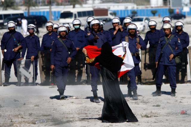 Bahraini Demonstrators Retake Pearl Roundabout As Army Backs Out